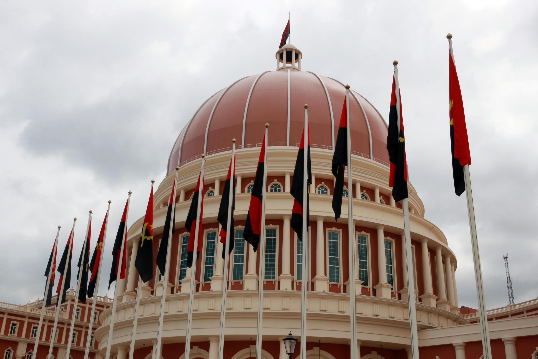 Parlamento angolano em Luanda