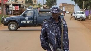 Aslari polisi wa Uganda mjini Kampala, Machi 2016.