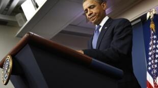 Tổng thống Obama họp báo hôm 28/12 về vấn đề ngân sách (REUTERS)