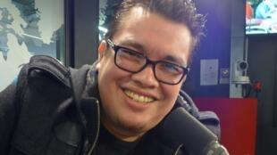 Franco Escamilla en los estudios de RFI