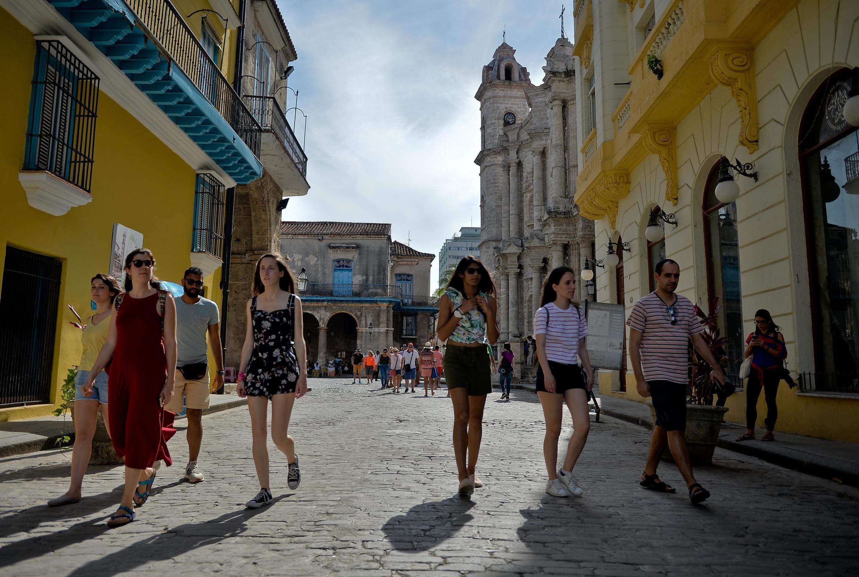 À compter de ce mercredi 5 juin, il est désormais interdit aux Américains de se rendre à Cuba en voyages de groupe.