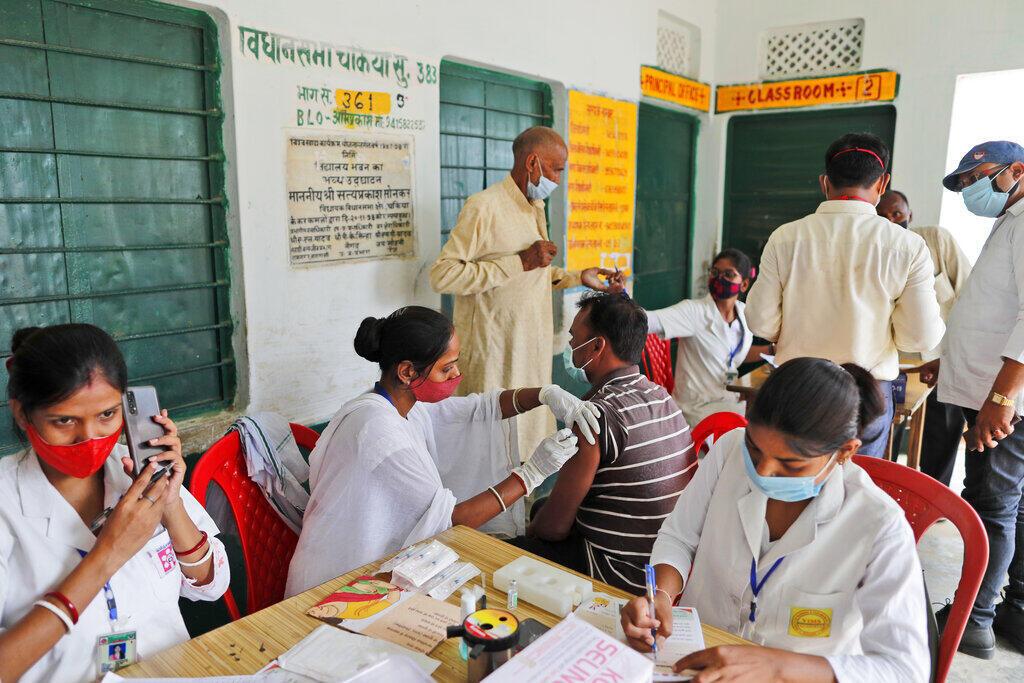 Ấn Độ khởi động chiến dịch tiêm chủng cho các đối tượng trên 18 tuổi từ ngày 21/06/2021.