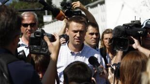 Алексей Навальный перед зданием СК Российской Федерации 30/07/2012