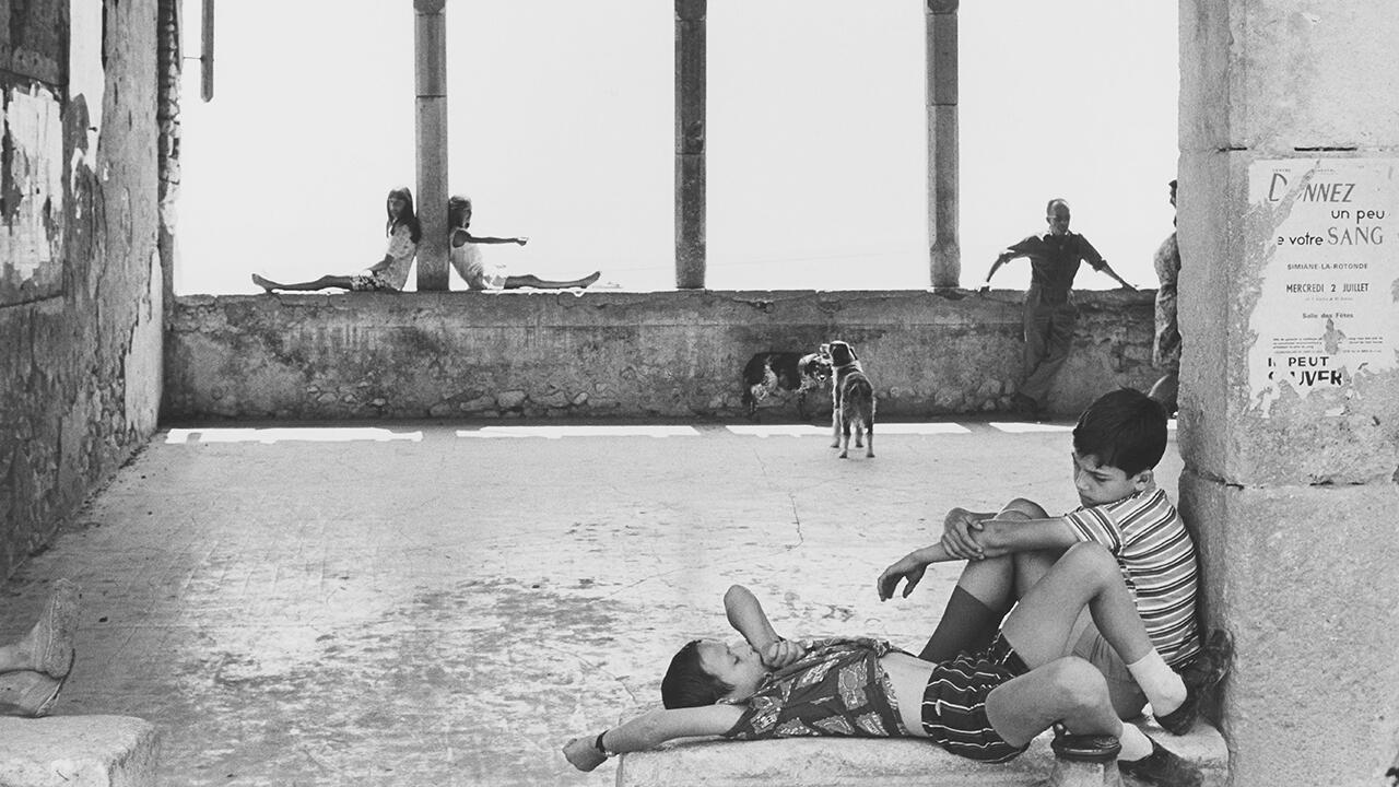 Симьян-ла-Ротонд, Франция, 1969. Фрагмент.