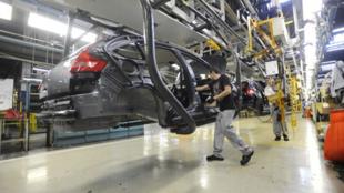 L'usine PSA de Mulhouse qui produira les composants destinés aux voitures hybrides et électriques.