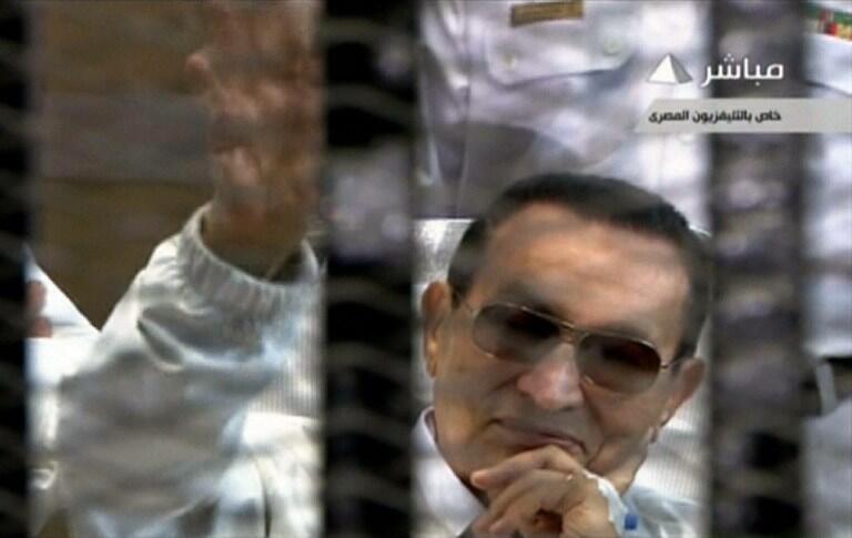 Hosni Moubarak, le 13 avril 2013 en cour d'assises au Caire.