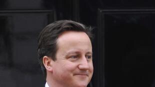 O partido do candidato conservador, David Cameron, ganhou as eleições legislativas, mas não obteve 326 cadeiras no Senado.