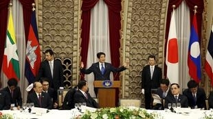 Thủ tướng Nhật Bản và lãnh đạo 5 nước vùng Mêkông tại Thượng đỉnh Nhật Bản-Mêkông lần 7, ngày 03/07/2015.