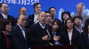 高雄市長韓國瑜 2019年3月25日下午將會晤中國國務院台灣事務辦公室主任劉結一,引發外界關注。韓國瑜中午在深圳對此回應說,這次會晤只是情感交流。