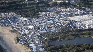 Vue aérienne de la «jungle» de Calais en France le 7 septembre 2016.
