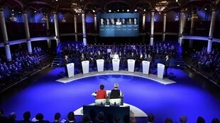 Left-Right: Alain Juppé, François Fillon, Bruno Le Maire, Nathalie Kosciusko-Morizet, Nicolas Sarkozy, Jean-Frédéric Poisson, Jean-François Copé at te final debate before the primary
