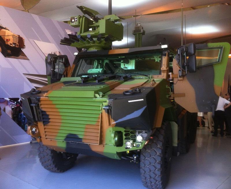 Remplaçant du fameux VAB bête de somme de l'armée de terre française : le VBMR Griffon. Il s'agit là du prototype avant la série.