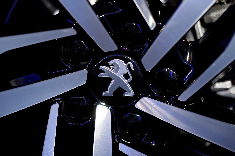 Peugeot's logo on a Peugeot 508, march 2018
