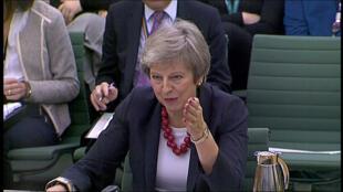 heresa May debió enfrentar la hostilidad del Parlamento en el inicio de la defensa de su plan para el Brexit.