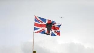Un drapeau commémorant la Première Guerre mondiale, à Lisburn, le 18 août 2014.