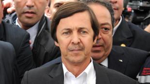 Saïd Bouteflika, le frère du président algérien déchu, écope de 15 ans de prison lors de son procès à Blida.