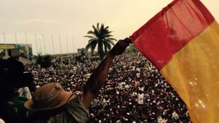 Arrivée de Celou Dalein Diallo, candidat à la présidentielle guinéene, ici à Conakry le 8 octobre 2015.