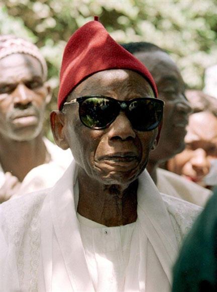 Depuis sa libération en 1974, sans jamais retrouver l'importance politique qu'il avait lors de l'indépendance, Mamadou Dia a continué depuis à jouer le rôle d'intellectuel et de figure morale.