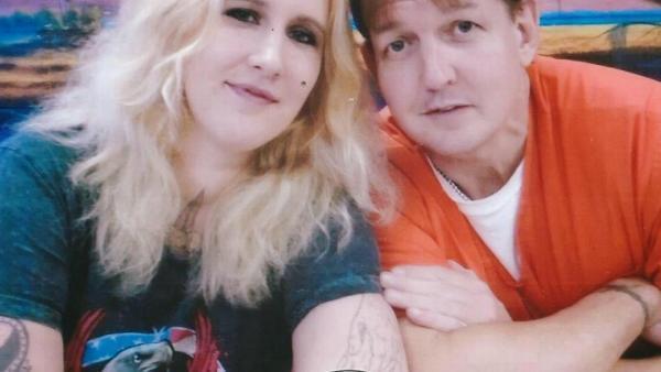 Claudine et son compagnon, Ronald, détenu dans les couloirs de la mort en Floride.