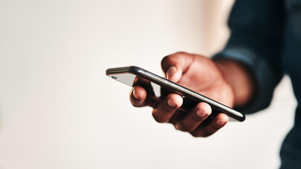 RDC : la taxe sur le registre des appareils mobiles fait polémique