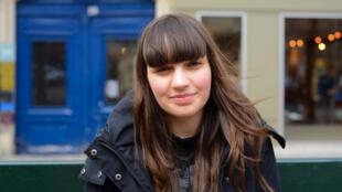 Nataly, uma síria de 17 anos que está em Paris há dois anos.