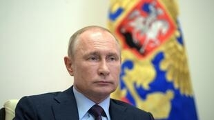Vladimir Putin preside una reunión por videoconferencia sobre la planificación del desconfinamiento, el 6 de mayo de 2020 en la residencia oficial de Novo-Ogaryovo, a las afueras de Moscú