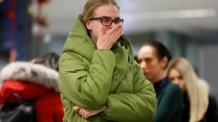 یکی از نزدیکان قربانیان هواپیمای اوکراینی در فرودگاه کیف
