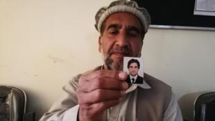 Hadji Alamamat a perdu son fils de 21 ans abattu par les forces de sécurité, à deux pas de leur maison, dans le centre de Jalalabad.