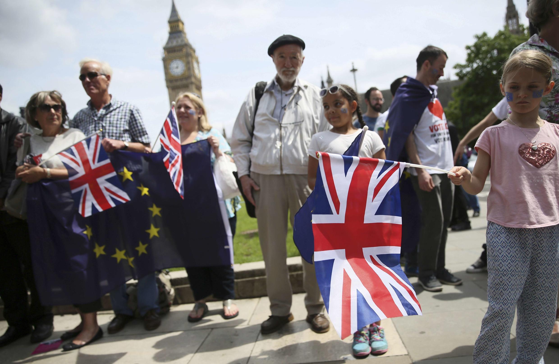 Những người chống Brexit tụ tập tại quảng trường Nghị Viện, Luân Đôn, ngày 19/06/2016.