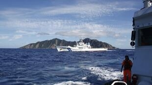 東海釣魚島附近一艘日本海上保安廳船試圖堵截台灣船2012年4月6日