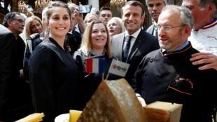 ប្រធានាធិបតីបារាំង លោក  Emmanuel Macron  នៅឱកាសទិវាបុណ្យការងារទី១ ឧសភា ឆ្នាំ ២០១៩