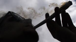 A França é um dos países mais repressivos da Europa em relação às drogas.
