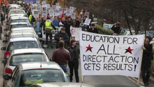 Gran Bretaña: manifestación de estudiantes de la Universidad de Glasgow en las calles de la ciudad, el 24 de noviembre de 2010.