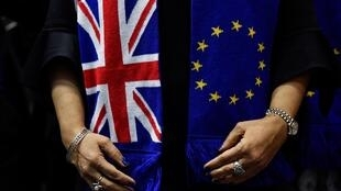 A presidente da Comissão Europeia,  e o Primeiro-ministro  britânico  querem tirar do impasse negociações pós-Brexit.