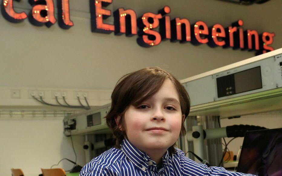 比利時的一名9歲天才男孩勞倫·西蒙斯 (Laurent Simons) 將大學畢業  還想讀博士