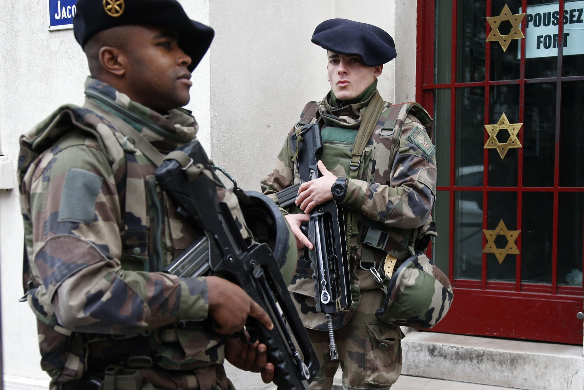 France has deployed 10,000 soldiers on home soil, 13 January 2015