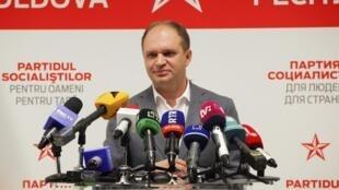 Кандидат от социалистов Ион Чебан одержал победу во втором туре выборов мэра Кишинева, вопреки прогнозам аналитиков