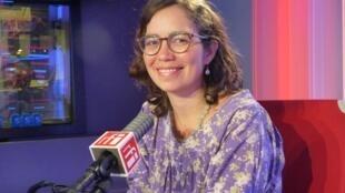 Paola Gómez Caicedo en los estudios de RFI