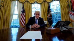 Donald Trump trong văn phòng Bầu Dục, một năm sau ngày nhậm chức tổng thống. Ảnh ngày 17/01/2018.