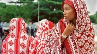 Aux Comores, des pionnières ont lutté pour l'égalité hommes-femmes.