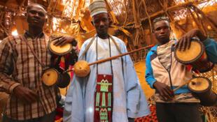 Wasu mawakan gargajiya a kasar Hausa.