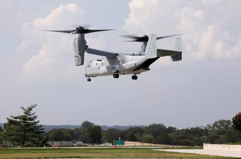 Phi cơ MV-22 (Osprey) bay thử nhân dịp phái đoàn Nhật viếng thăm Lầu năm góc (Reuters)