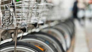 Des lycéens du lycée français d'Istambul traversent 10 pays d'Europe lors de ce périple à vélo.