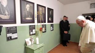 Giáo hoàng Phanxicô thăm Bảo tàng Chiến đấu vì tự do, tại Vilnius, Litva, ngày 23/09/2018.