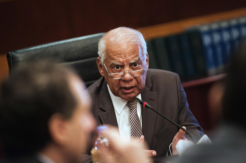 Le Premier ministre égyptien Hazem el-Beblaoui a déclaré les Frères musulmans «organisation terroriste» mardi 24 décembre 2013.