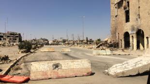 L'entrée à la vieille ville de Mossoul à l'Ouest, interdite en raison des mines et de l'insécurité.