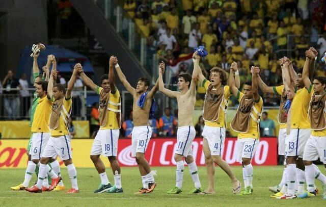 Seleção comemora vitória contra Itália em jogo valendo pela Copa das Confederações