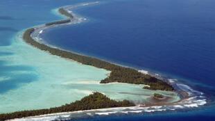 ប្រទេសប្រជុំកោះ Tuvalu នៅក្នុងមហាសមុទ្រប៉ាស៊ីហ្វិក ដែលកំពុងប្រឈមនឹងការជន់លិចដោយសារការឡើងកំពស់ទឹកសមុទ្រ