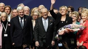 Lors du XIVè congrès du Front national, Marine Le Pen succède officiellement à son père, Jean-Marie, à la tête du parti d'extrême droite, le 16 janvier 2011.