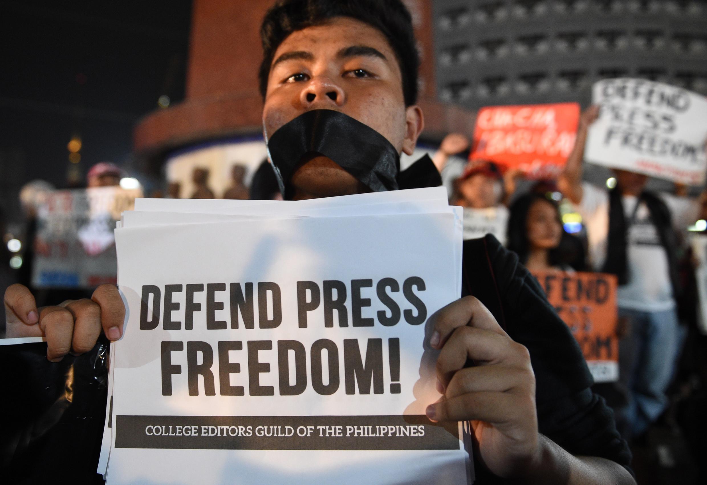 Protestation pour une presse libre à Manille, aux Philippines.